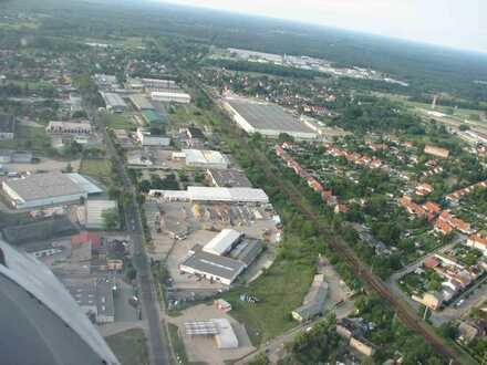 Gewerbegrundstück mit Hallen auf 12.300 Quadtratmeter Grundstück mit 4.100 Quadtratmeter Lagerfläche