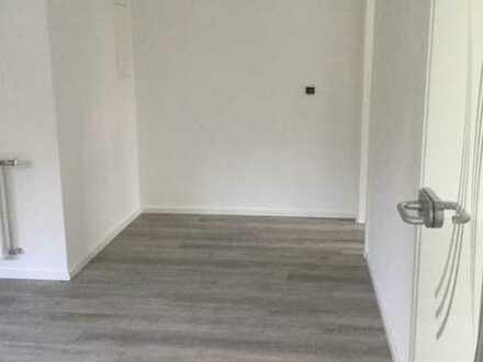 Erstbezug nach Sanierung: ansprechende 2-Zimmer-Wohnung mit EBK in Straubenhardt