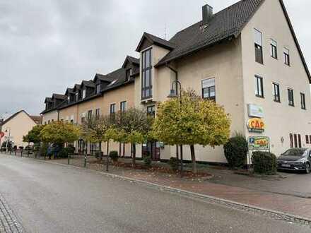 Bühl-Stadt - Sonnige 3 Zimmer Dachgeschosswohnung mit geringen Schrägen und Dachterrasse