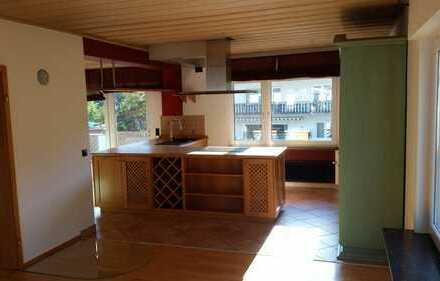 Gepflegte 3 Zimmer-Wohnung mit Balkon und EBK in Spay