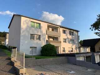 Modernisierte, schicke und gut geschnittene 4-Zimmer-Wohnung in sehr guter Wohnlage