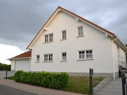 Einfach perfekt : Großes Einfamilienhaus mit schönem Garten in Bechtheim