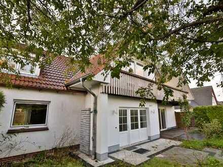 Neuwertige Doppelhaushälfte mit 4 Zimmer und EBK