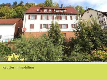 6-Familien-Haus inmitten Bad Urachs mit viel Potenzial in solider Bauweise