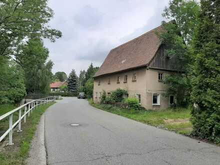 Selbstrenovierer aufgepaßt: Dorfhaus in idyllischer Ortslage!