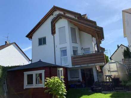 Gepflegte und hochwertige Doppelhaushälfte mit Einliegerwohnung in Schorndorf-Hauberbronn
