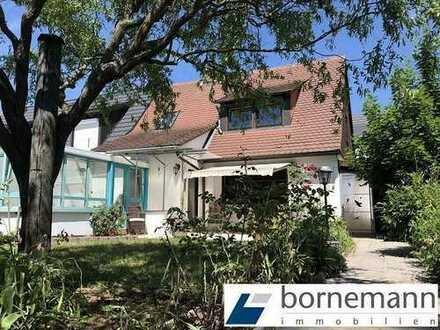 Wohnidyll Reichelsdorf! 2,5-Zi.-Haus mit Wohnküche, Wintergarten, Nebengebäude + Carport!