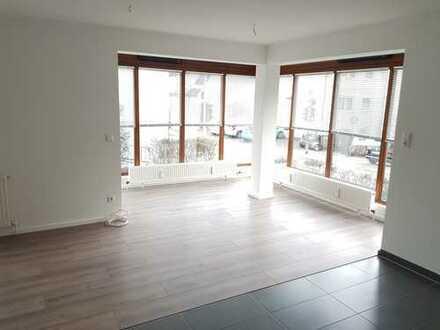 Modernisierte 2,5-Zimmer-EG-Wohnung mit Terrasse und Stellplatz in Esslingen-Sulzgries