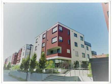 Individuelle Penthouse-Wohnung mit toller Terrasse & hochwertiger EBK!