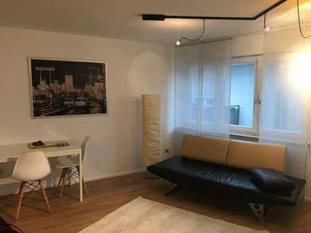 Zentrum Ludwigsburg: Moderne vollausgestattete 1,5 Zimmer Wohnung mit Tiefgaragenstellplatz