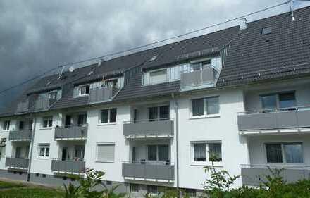 Komplett renovierte, helle 3 Zimmerwohnung m. sonnigem Balkon in bevorzugter Lage AN PAAR
