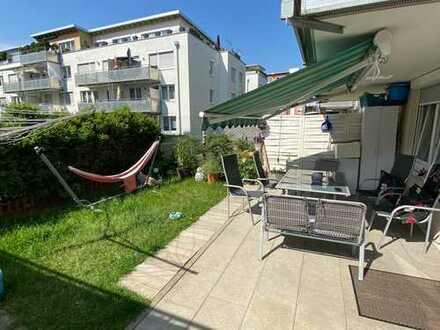 Direkte Stadtlage 4 Zi. Wohnung mit kl. Garten - incl. Tiefgaragenstellplatz / Einbauküche