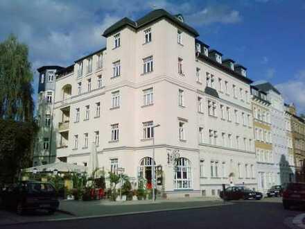Schöne 3-4Zi.-Wohnung mit Balkon
