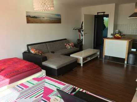 Exklusive, voll möblierte und gepflegte 1-Zimmer-Penthouse-Wohnung mit Terrasse in Bonn