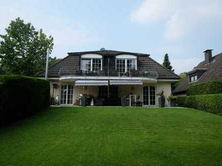 Villa a. Waldrand geleg. Elegante 5 Zi.Wohnung m. Terrasse u.Garten z. Alleinnutzung