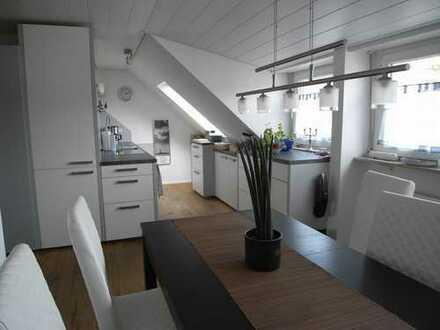 Blick auf die Weinberge - Hochwertige 3 ,5 Zimmer Wohnung in Stuttgart, Mühlhausen