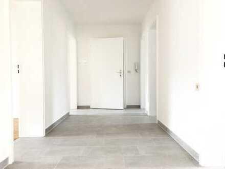 Erstbezug nach Sanierung: ansprechende 3,5-Zimmer-Wohnung mit Balkon