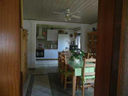 Zentrale große 5-Zimmer-Wohnung GN-Lieblos