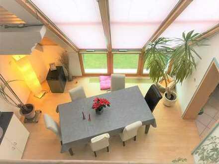 Sonnige schöne 5 Zimmer Wohnung mit Dachterrasse und Wintergarten
