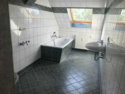 Leubnitz, 4-Zi. Dachgeschoss-Whg. mit Wanne UND Dusche