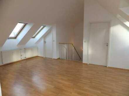 Exklusiv ausgestattete 4-Z-DG-Maisonette-WE mit 12 m² Dachterrasse, 2 Bädern, Sauna und EBK