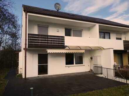 Große Doppelhaushälfte in Aystetten bei Augsburg ideal für Familien