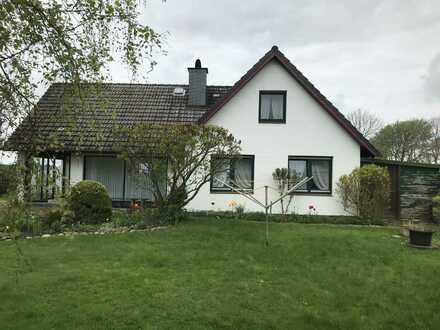 Großes Einfamilienhaus Mühlenweg 17, 25761 Warwerort