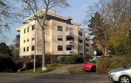 Exklusive, modernisierte 1-Zimmer-Wohnung mit Balkon und EBK in Stuttgart