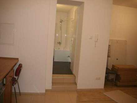 Schöne 1-Zimmer-EG-Wohnung in ruhiger Lage mit separatem Hauseingang