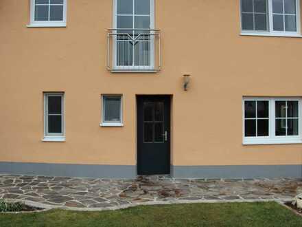 Gepflegte Wohnung mit dreieinhalb Zimmern und Einbauküche in Burgheim
