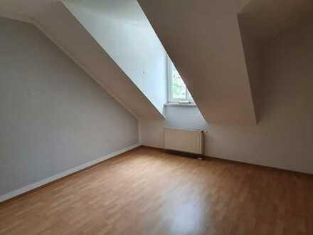 *SCHICKE 2-ZI.-WOHNUNG in Sonneberg zentral, Dachgeschoss 58m²*