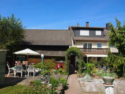 Einfamilienwohnhaus für die große Familie mit herrlichem Garten und Nebengebäuden