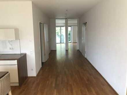 Altengerechte 2-Zimmer-Wohnung mit großer Wohnküche, Balkon und Aufzug