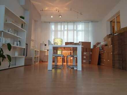 Attraktive, helle 130qm Bürofläche mit Glasfront