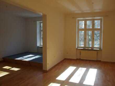 Renovierte 4-5 Zimmer Wohnunge mit Balkon und Einbauküche in Isarvorstadt, München