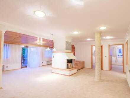 Frisch renovierte, helle 4 Zimmer Wohnung in bester Lage