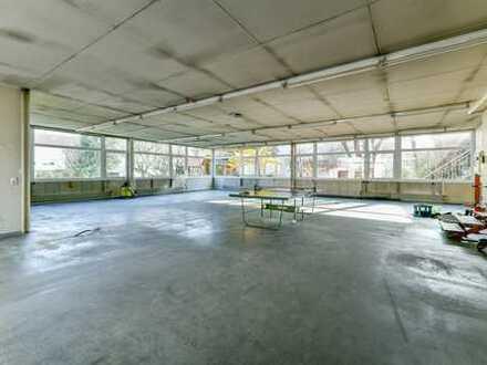 Produktions- / Lagerhalle mit Büroräumen und Stellplätzen in der Nähe des Winnender Bahnhofs