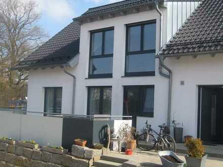 3,5-Raum-Ober- und Dachgeschosswohnung mit Terrasse und Einbauküche in Beimerstetten