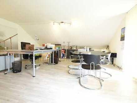 Großzügiges Ein- /Zweifamilienhaus nebst Büro- oder Ladeneinheit