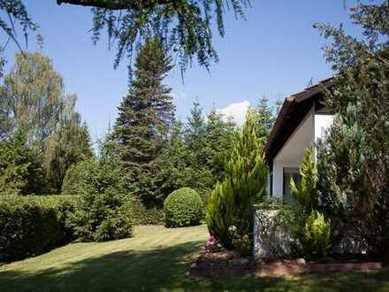 großes 8 Zimmerhaus Feldafing, absolut ruhig im Grünen, SW-Terrasse, Garten, Sauna