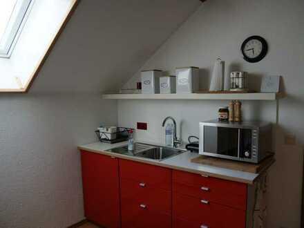 Möbl. 2 Zimmer DG Wohnung für Studenten/Pendler