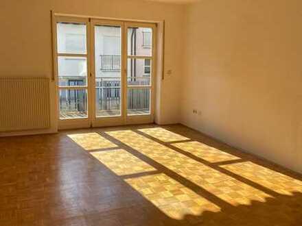 Attraktive 2-Zimmer-Wohnung mit Balkon und Einbauküche in Kitzingen