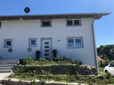 Schöne, geräumige DHH mit vier Zimmern in Marnbach bei Weilheim