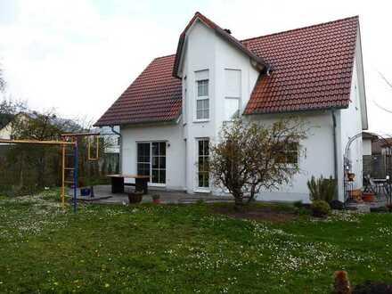 Ein-/Zweifamilienhaus in Barbing