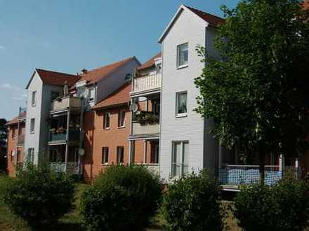 Schöne helle Wohnung in 6 Familienhaus * Parkett * Balkon