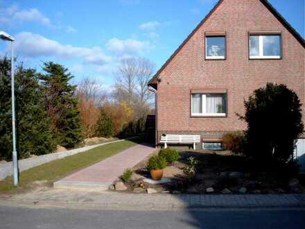 Top Lage moderne 3-Zimmer-Dachgeschosswohnung in Sandesneben