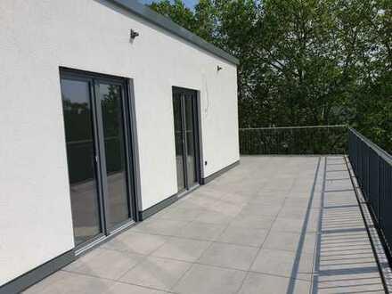 Erstbezug - Rundum schönes Wohnen! Penthousewohnung mit umlaufender Terrasse