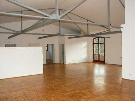 Geräumige und vollständig renovierte 3-Zimmer-Loft-Wohnung in Wuppertal Langerfeld