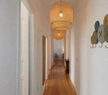 Bild_Renovierte und hochwertig möblierte 3-Zimmer-Altbau-Wohnung mit Balkon in Reinickendorf, Berlin