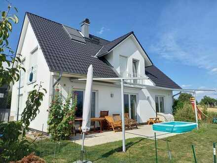 Haus(2010) mit 6 Zi. in Walddorfhäslach, Ortsrandlage mit Blick auf Alb